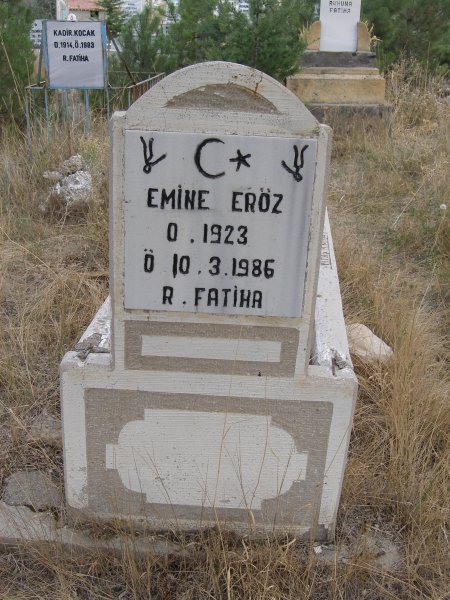 Emine Eröz