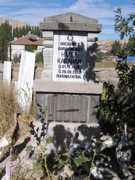 Hacer Karahan