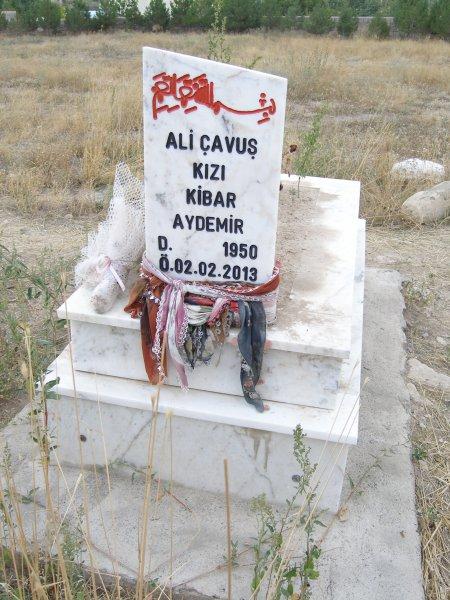 Kibar Aydemir